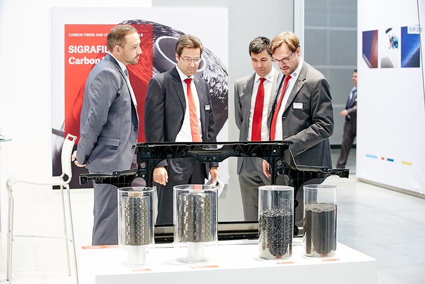 Composites Europe 2015 held in Stuttgart, Germany, saw a record 10,087 visitors and 470 exhibitors from 29 countries. Foto: Behrendt & Rausch Fotografie