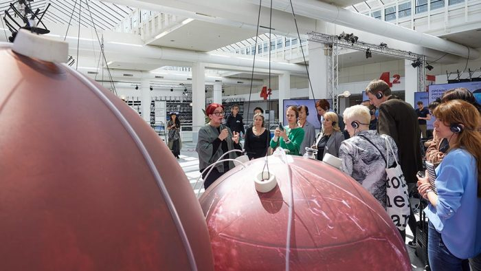 artificial womb made out of synthetic fiber