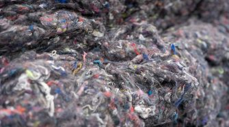 Mechanical recycling of used clothing made from mixed fibers