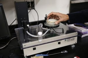 Instrument to determine the Absorbency of fabrics
